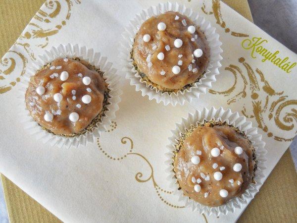 Mákos cupcake gesztenyés-banános krémmel