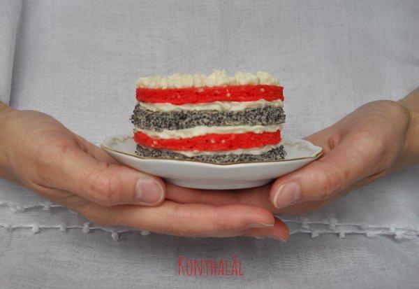 Színes csíkos torta