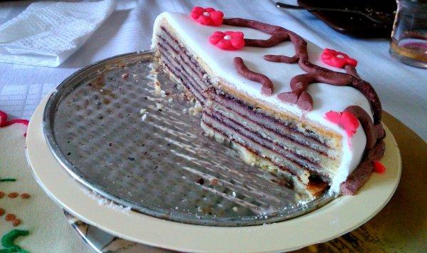 virágos linzertekercs torta