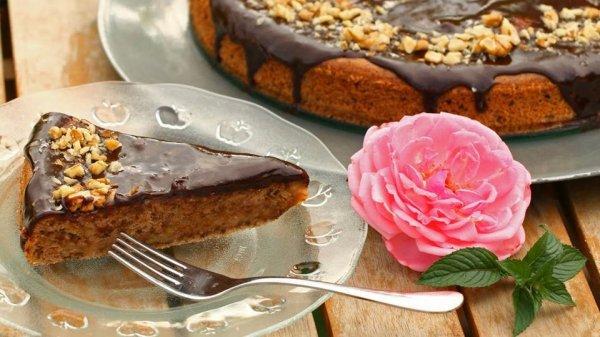 cukkinis-siós torta