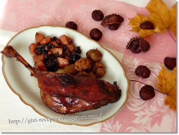 sült libacomb gyümölccsel és gesztenyével